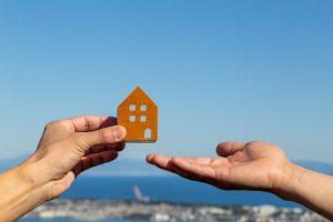 ハウス リースバックを利用して不動産の親子間売買の問題を回避?